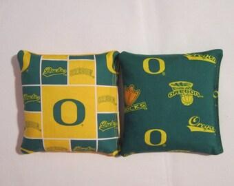 Oregon Ducks Cornhole Bags -FREE SHIPPING- Cornhole or Baggo Bean Bag Toss - Set of 8