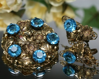 Vintage Goldtone and Aqua Colored Rhinestone Brooch and Earring Set