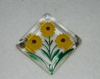 Vintage Lucite Reverse Painted Daisy Brooch Pin
