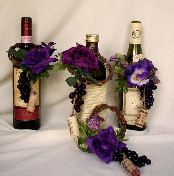 vineyard weddings decoration wine bottletoppers cork grape set. Black Bedroom Furniture Sets. Home Design Ideas