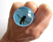 Flower Fly - Resin ring - Size M