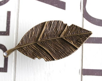 Leaf Drawer Knobs - Cabinet Pulls with Crystal in Brass Metal (MK149)