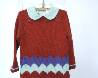 Girls Sweater - NEW - size 4-6 - soft merino wool - seamless ragalan cut