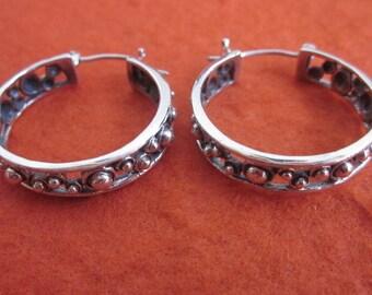 Sterling Silver Hoop Earrings from Bali / silver 925 / Balinese Handmade Jewelry / (#102m)