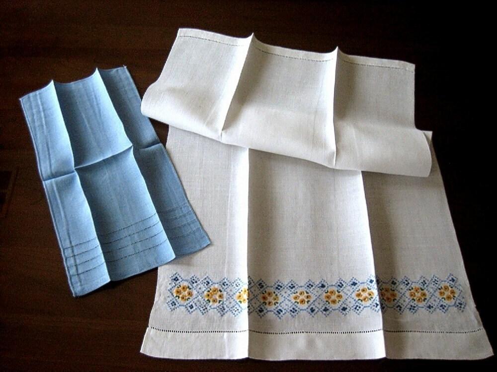 Towel Vintage Linen Hand Embroidered Kitchen Bath Display Blue