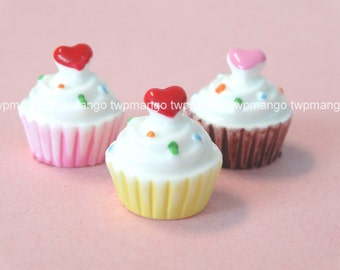 Lot of 12 Resin Cupcake Ice Cream Cabochon...Button...Flat Back...N99