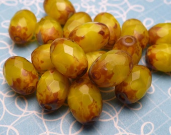 Banana Cream Glass Beads 8x5mm - 8pc