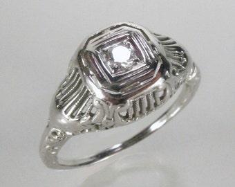 Antique Diamond 18K White Gold Engagement Ring