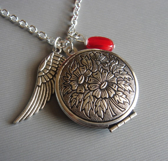 The Guardian Angel, Necklace Vintage Style, Silver Round Floral Locket Pendant, Handmade Keepsake Jewelry by HoneyNest