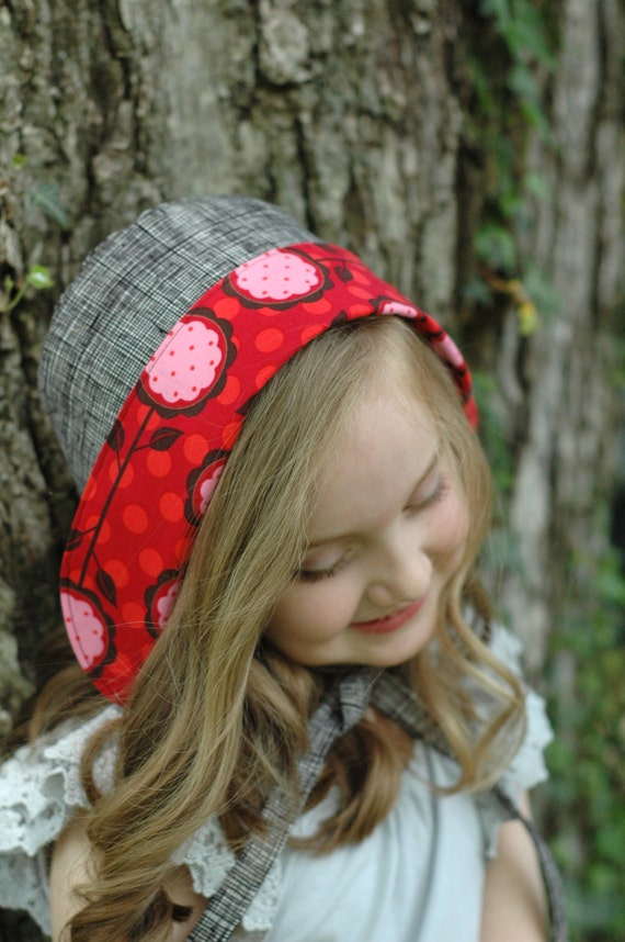 Girls Reversible Sun Bonnet - Floral Black, Pink, and Red