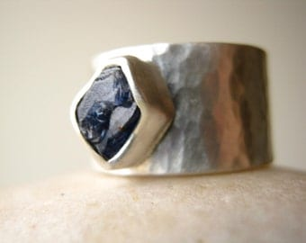Rough Blue Sapphire on Wide Hammered band - Engagement, Wedding, Anniversary Ring in Sterling Silver