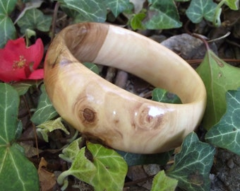 Wood Bangle Bracelet - Eco-friendly Ohio Crabapple Wood Wooden Bangle Bracelet (Size M) - Natural Jewelry
