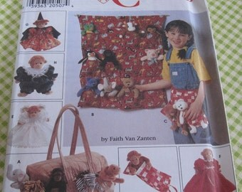 "UNCUT Simplicity Crafts Sewing Pattern 7695 Tote Organizers, Apron, Sleeping Bag and Clothes for 9"" Bean Bag Animals"
