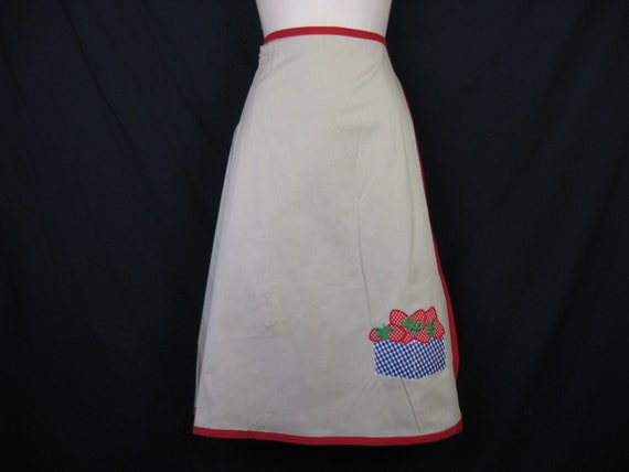 1970's strawberry wrap skirt.  fruit applique a-line. large. new old stock.