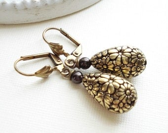 Floral Antique Gold Teardrop Earrings. Vintage Style Earrings, Drop Earrings, Brown and Gold, Earth Colors, Lever Back Antique Brass Jewelry