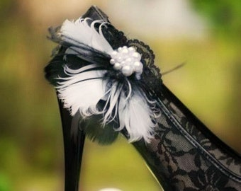 Wedding Shoe Clips. Black & White Feathers Lace - Pearls. Couture Statement Bridal Bride Bridesmaid. Made to Match Gift, Shabby Chic Spring