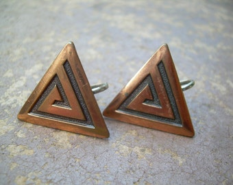 Vintage Ethnic Triangle copper modernist earrings Possible Native American in screw backs