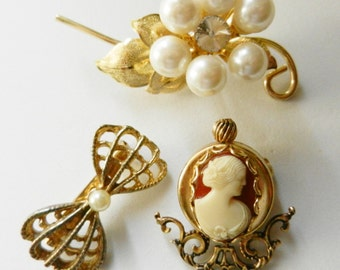 Small collection Antique Brooches vintage 1950/1960- Ancient brooches to hat -book pieces cameo PIK JEWLERY , pearls and gold-Art.384/2--