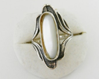 Ancient Ring 1950 - with mother of pearl and silver 925 -Gorgeous Italian Art Nouveau--Art.537/2-