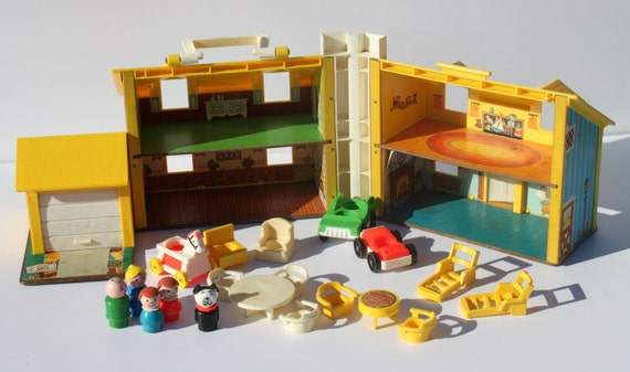 Vintage 1969 Fisher Price Little People Play Family Yellow House with Accessories Model 952