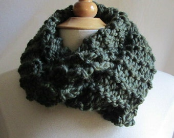 Cozy and Plush Forest Green Moss Cowl Scarf Neck Warmer