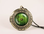 lord of the rings hobbit door hole cozy bilbo baggins lotro vintage pendant locket necklace - ready for gifting - buy 3 get 4th one free