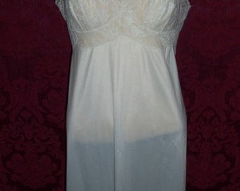 VIntage 50s Nylon and Lace SLip
