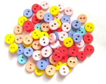 50 pcs Cute Round button 2 hole 8mm mix color