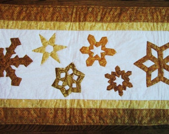 Quilted Winter Snowflake Table Runner Metallic Gold and White