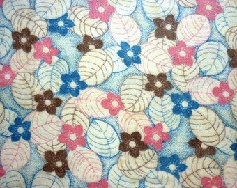 """4 Yards  1940s Soft Cotton Floral Flannel Fabric in Baby Blue and Pink on Cream - Nightwear Fabric - 4 Yards  x  35"""" (Can Be Bought by Yard)"""