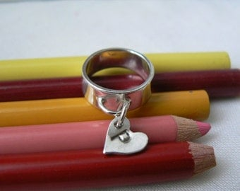 Love Letter - Sterling silver ring with a heart