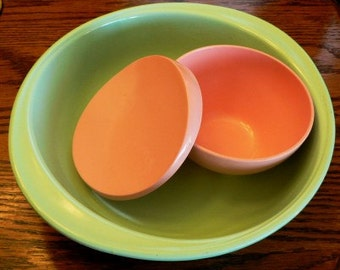Vintage melmac kitsch ... 1 melmac Pink Sugar with lid