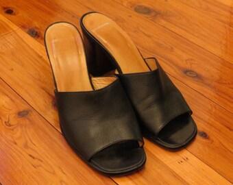 Vintage Made in Australia Anna Fiori Black All Leather Slip On Heels