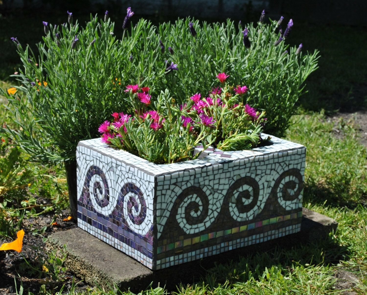 Upcycled mosaic cinder block garden planter purple tile and for Garden mosaic designs