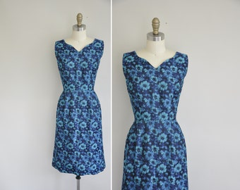 vintage 1950s dress / 50s blue shimmer floral dress / 1950s bombshell dress