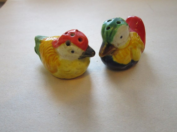 Vintage salt and pepper shakers colorful ducks by theartfloozy Colorful salt and pepper shakers