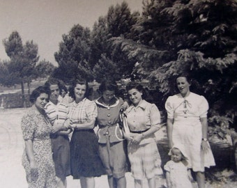 1950's Summer Photo - Group of Women