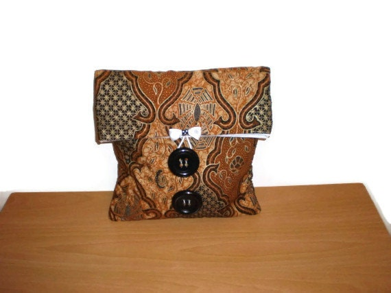 Medium and Large fold over makeup organizer pouch Two sizes in one in a earthy print black tan colour