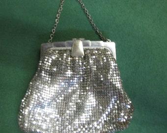 Vintage WHITING & DAVIS Silver Metal Mesh Purse