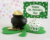 St. Patrick's Day Mini Fake Cupcake Photo Note Holder Green Shamrocks #CUP166