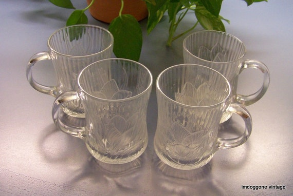 Vintage Glcoloc Canterbury Clear Glass Raised Relief Crocus