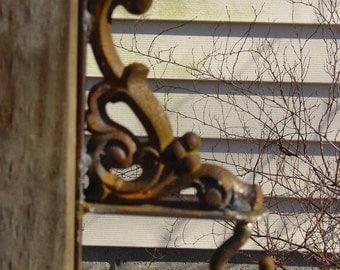 Decorative Cast Iron Wall Hanger for Small Garden Bell/Gong