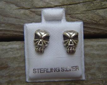 Tiki skull stud earrings in sterling silver