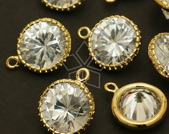 ZC-117-GD / 2 Pcs - Vintage Cubic Zirconia Round Pendant (M-Size), with Gold Plated Frame / 11mm x 14mm