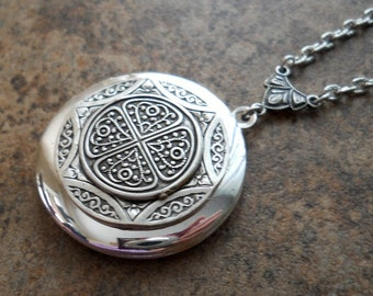 Celtic Splendor Locket, Silver Celtic Locket. Celtic Locket, silver locket, celtic locket, celtic, locket, irish locket, irish celtic