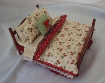 Dolls House Luxury 1/12th Double Bed - Chloe