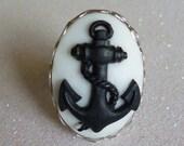 Anchor Cameo Ring - White & Black