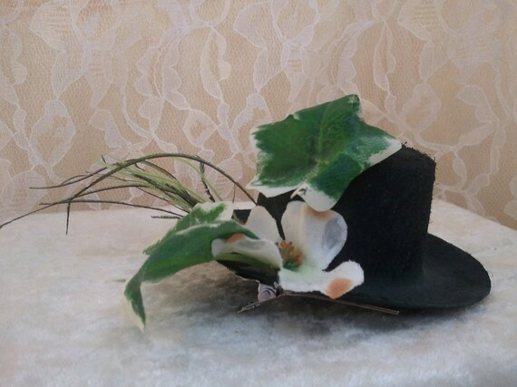 Dogwood Flower, Ivy, and Peacock Herl Tiny Top Hat