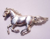 Sterling Silver Running Horse Heavy 20 grams Very Detailed Signed GS 0323z