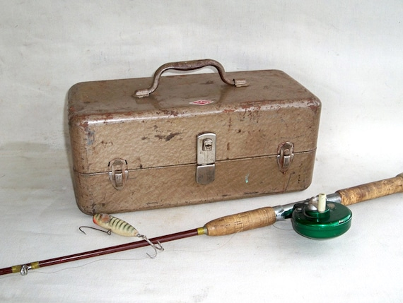 Mid Century Sport King Metal Tackle Box Nicely Distressed